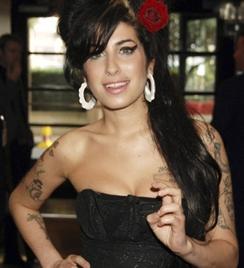 Amy Winehouse S Death How The Uk Media Covered The Hollywood Reporter