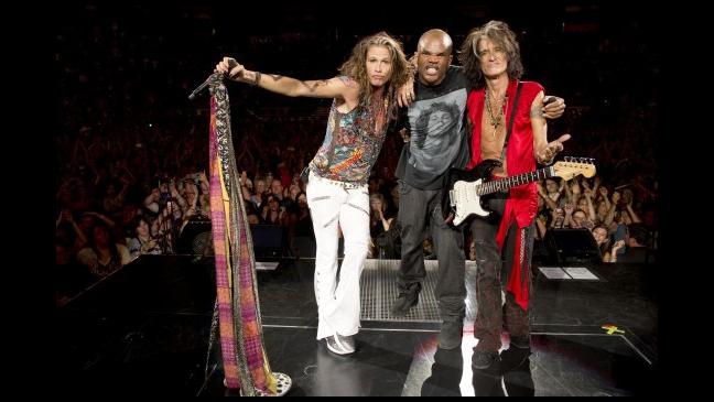 Aerosmith Run D M C S Darryl D M C Mcdaniels Reunite For Walk This Way Video The Hollywood Reporter