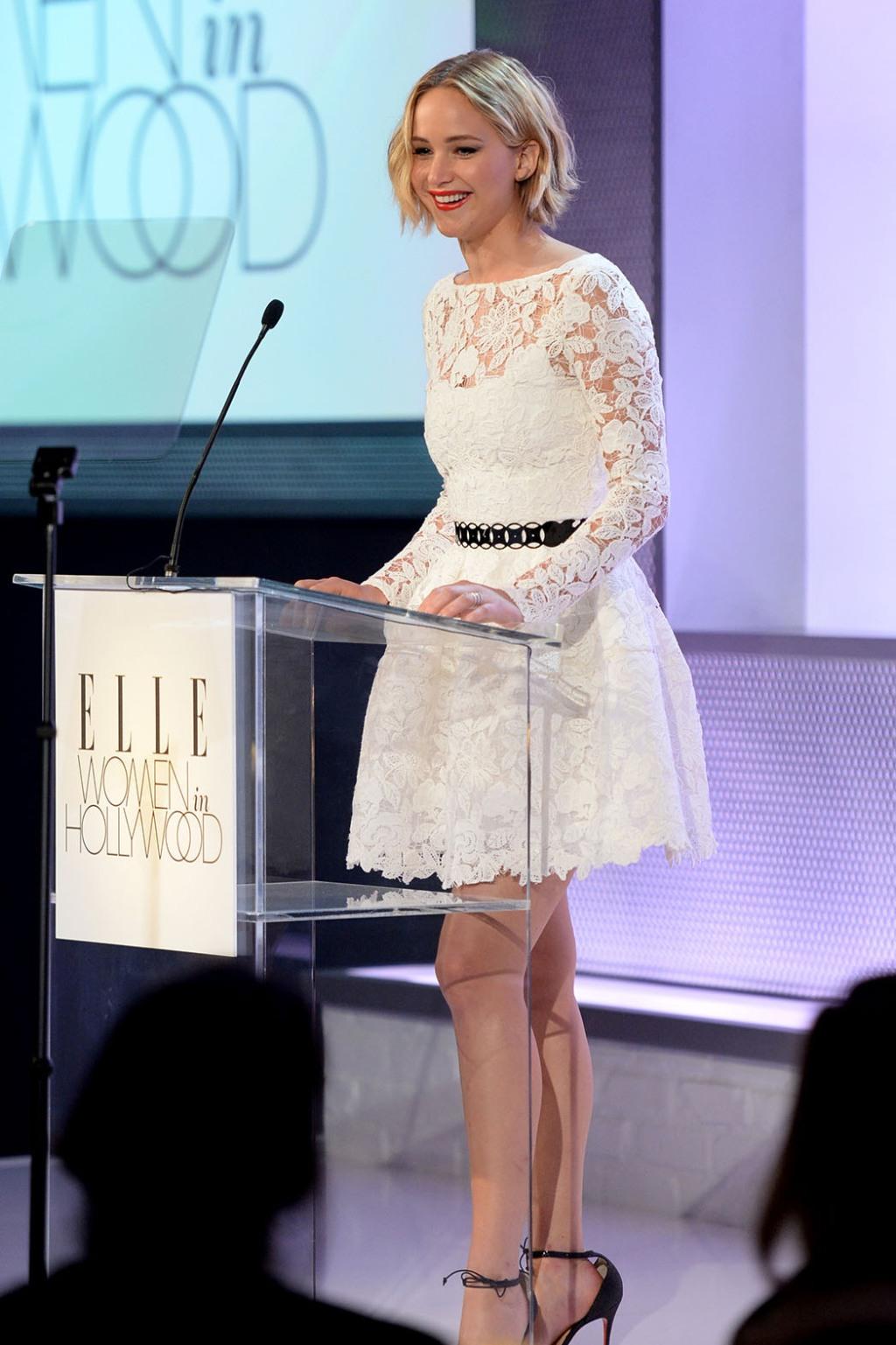 Dress du Jour: Jennifer Lawrence in Oscar de la Renta ...