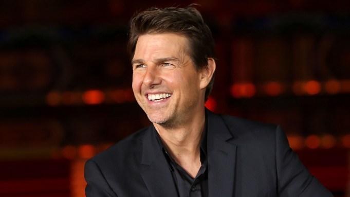 Tom Cruise Returns Golden Globes Statues