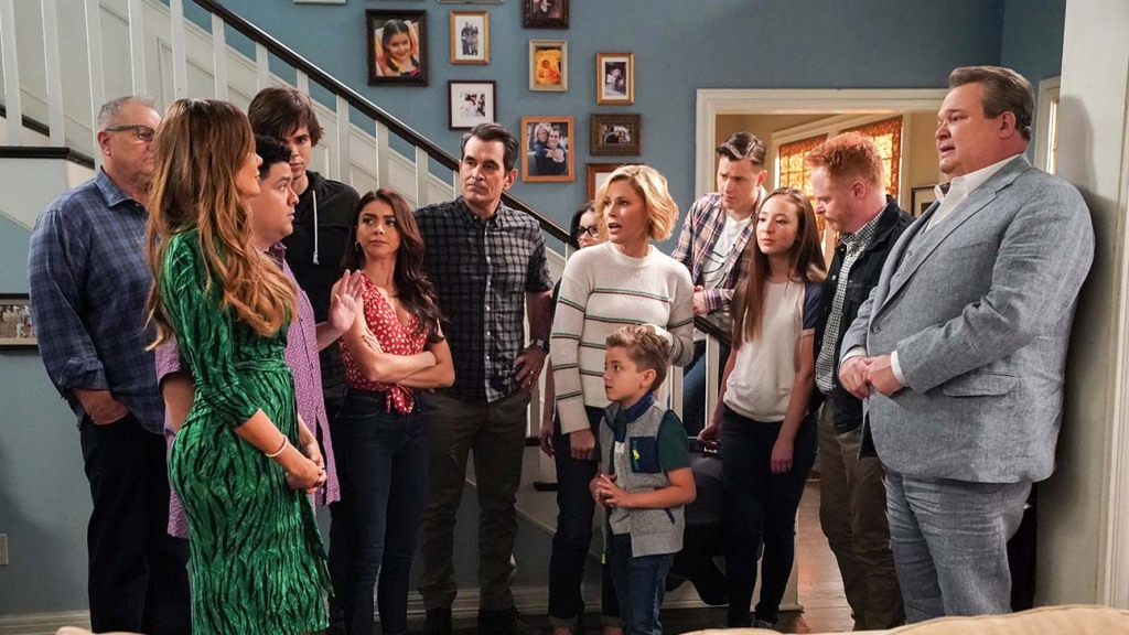 Modern Family' Streaming Library Rights Land at Hulu, Peacock – The  Hollywood Reporter