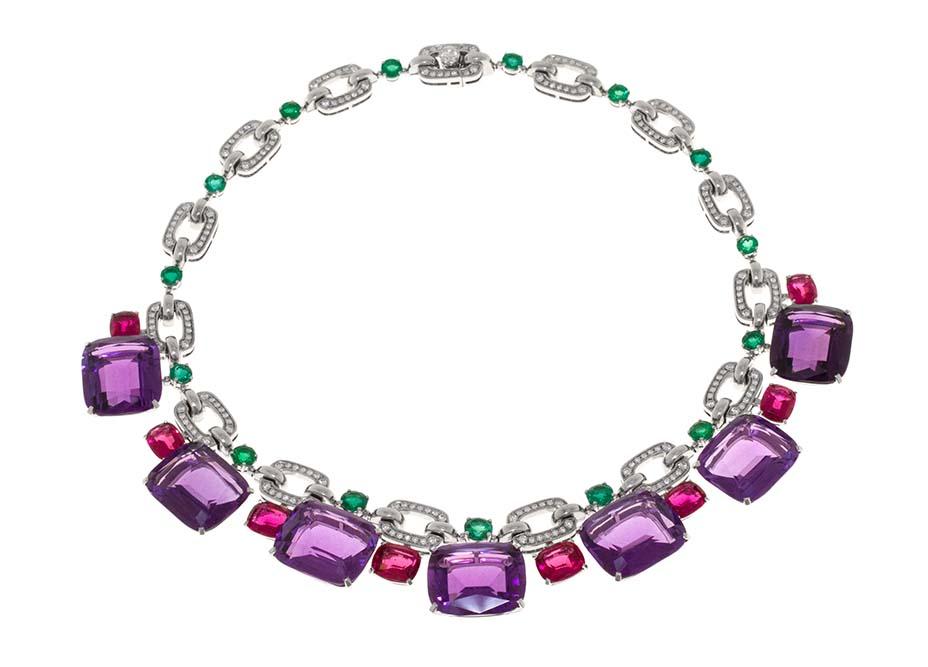 Zendaya_Bulgari-Emmys 2020 jewelry