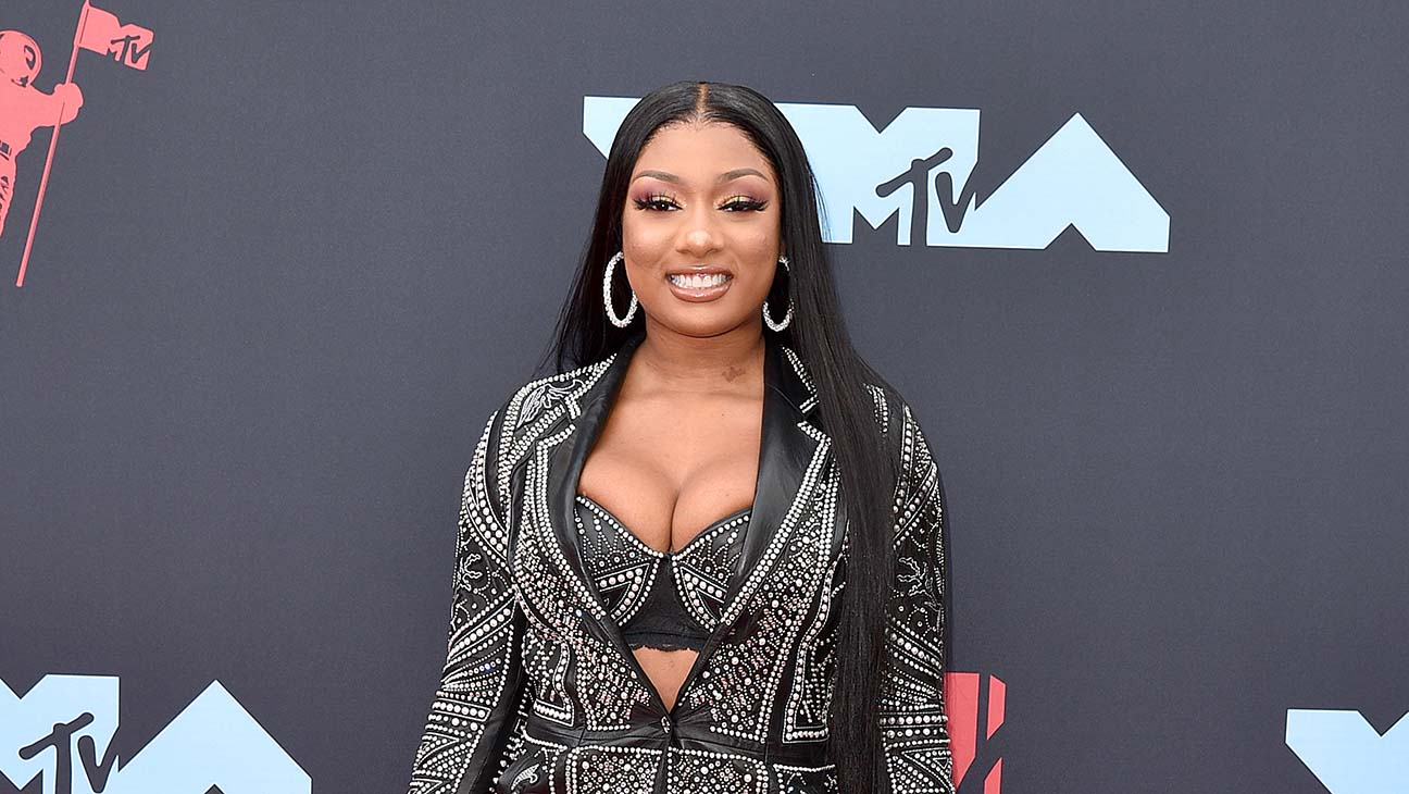 Megan Thee Stallion Launches Scholarship Fund For Women Of Color The Hollywood Reporter