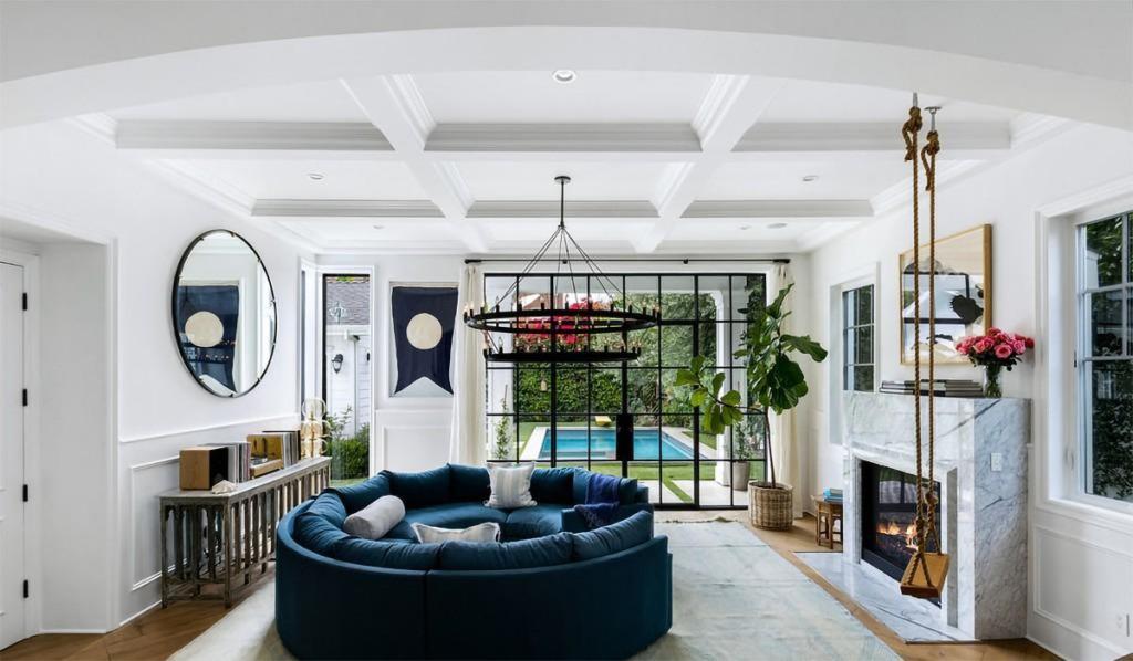 Margot Robbie - House - Hancock Park - Real Estate