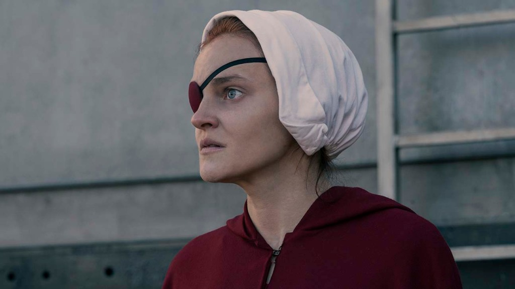 'The Handmaid's Tale' Resolves Up-in-the-Air Fate of Major Character – Hollywood Reporter