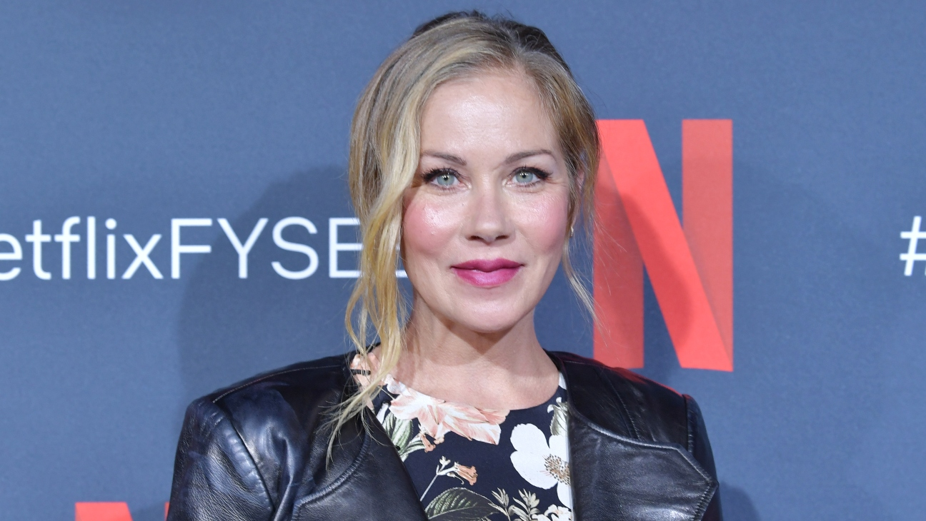 Christina Applegate Reveals MS Diagnosis – The Hollywood Reporter