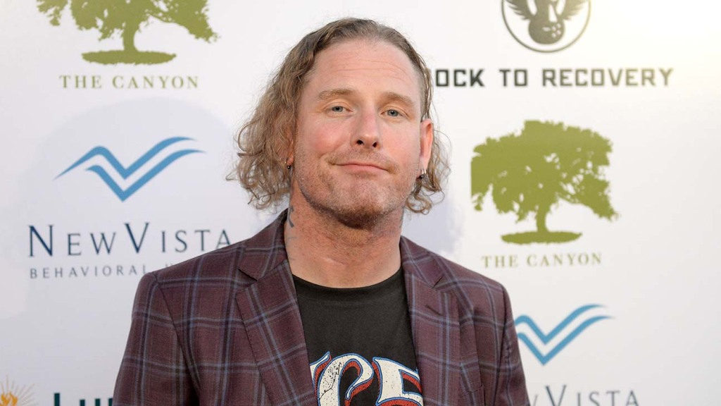 """Slipknot Singer Corey Taylor Reveals COVID-19 Battle: """"I'm Vaccinated So I'm Not Worried"""""""