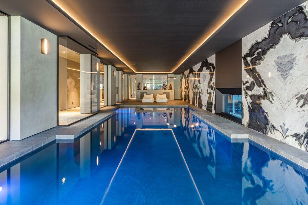 The Weeknd - House - Pool - Bel Air - Real Estate